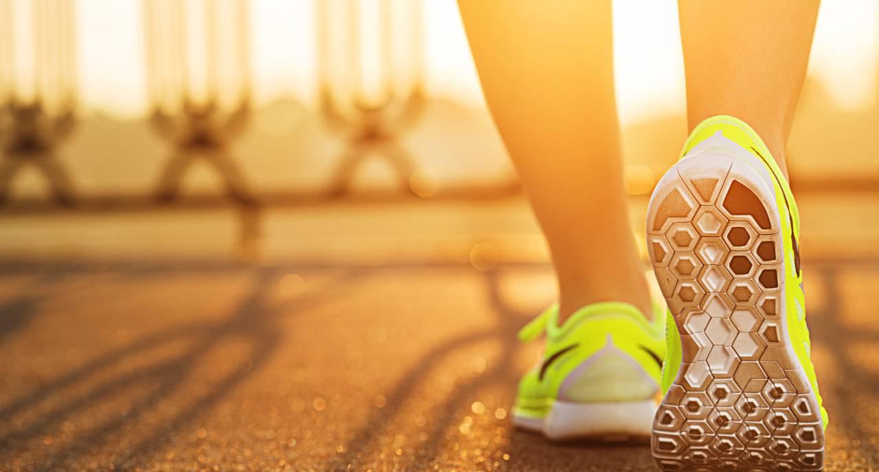 pied chaussure de sport - Jetunoo